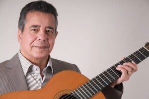 Spaanse gitarist/zanger Ray V - Pure muziek met emotie