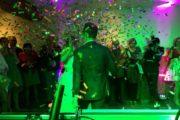 DJ bruiloft met confettigun