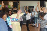 Surinaamse een mans band Moksi live