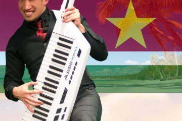 Surinaamse one man band zanger toetsenist Moksi live