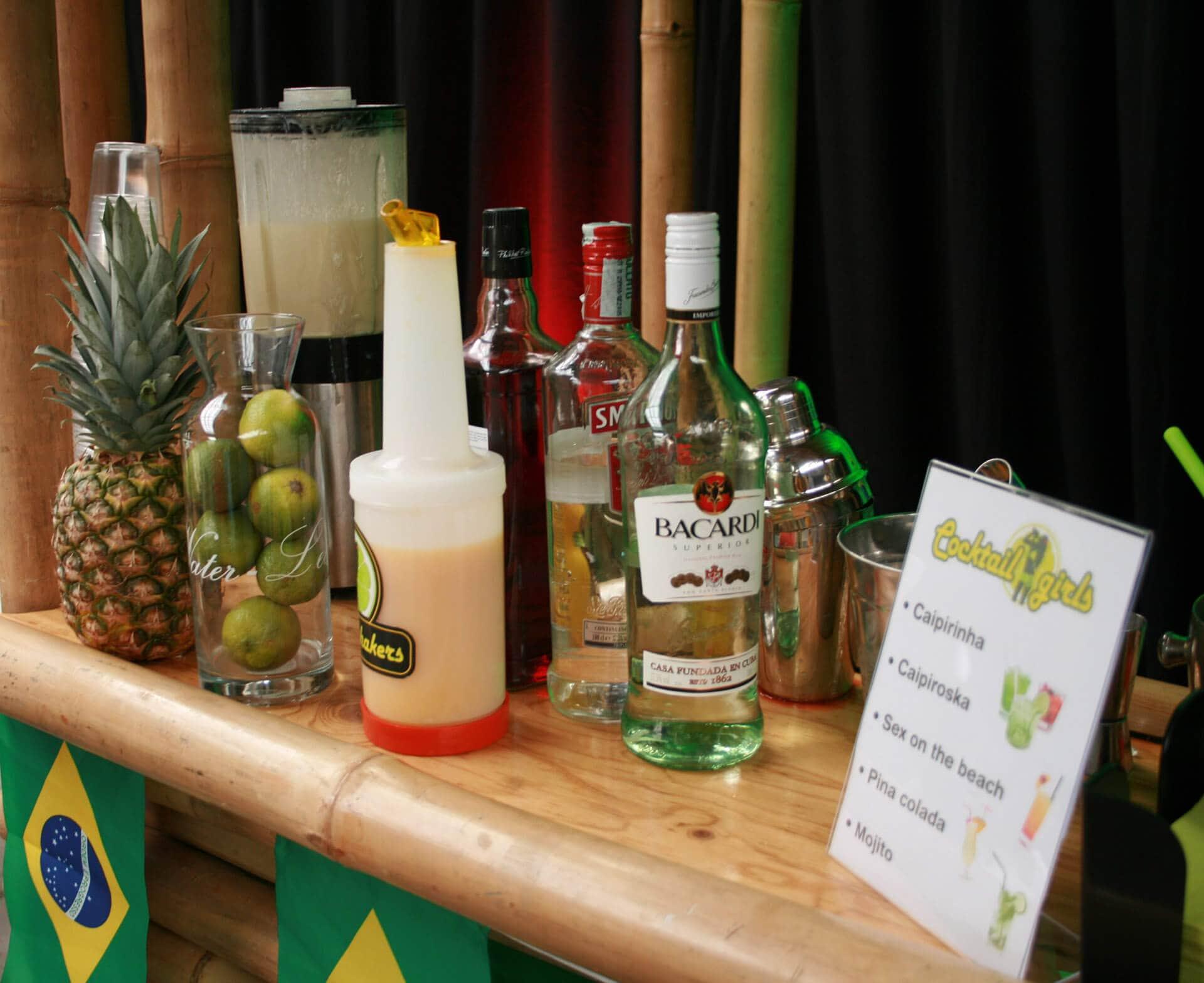 Cocktailbar en creatieve workshop cocktails maken op locatie
