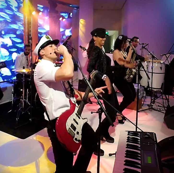 Feestband huren? allround band Caribbean Boys voor energie en sfeer