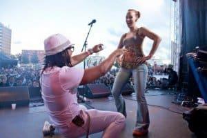 la Fiesta dancing on stage