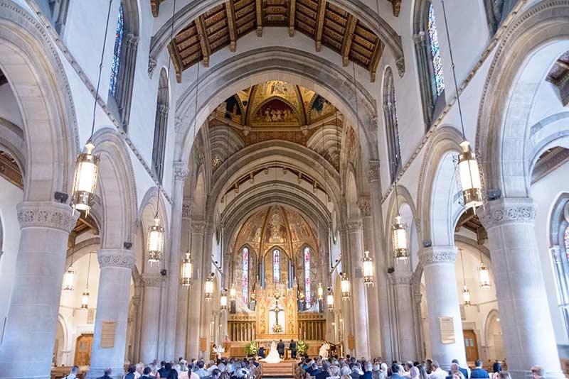 Ceremonie huwelijk in kerk